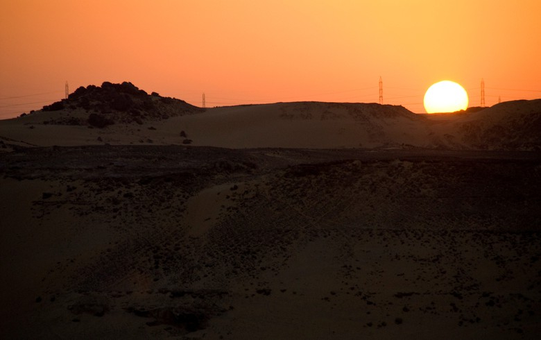 AfDB greenlights lending for ACWA Power's 200-MW PV project in Egypt