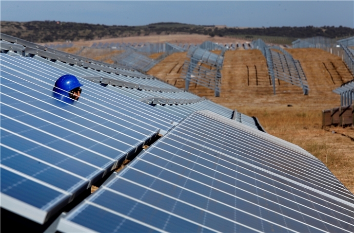 Large-scale solar deployment grabs in Spain